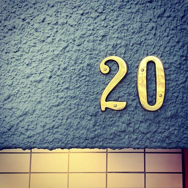 """20 """"ニーマ"""" 毎月20日はニーマの日︎06-6356-2020#niima #niimacafe #niimacafeetsalon #cafe #coffee #ニーマカフェ #ニーマカフェエサロン #南森町 #大阪天満宮 #大阪市北区 #大阪市北区東天満 #東天満カフェ #カフェスタグラム #大阪カフェ巡り #大阪カフェ #大阪珈琲 #エスプレッソ #10月11日グランドオープン #lamarzocco #french #everpure #エバーピュア #20"""
