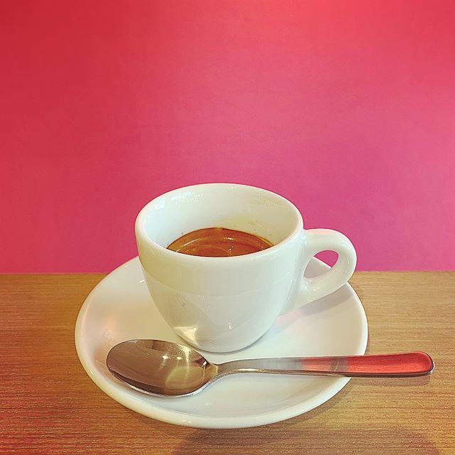 """4月16日は""""イタリア エスプレッソデー""""です️本日のみ本場イタリア価格の約1ユーロ(120円)でご提供いたします。普段、飲む機会の少ない方もこの機会に是非チャレンジしてくださいね。#niima #niimacafe #niimacafeetsalon #cafe #coffee #ニーマカフェ #ニーマカフェエサロン #南森町 #大阪天満宮 #大阪市北区 #大阪市北区東天満 #東天満カフェ #カフェスタグラム #大阪カフェ巡り #大阪カフェ #大阪珈琲 #エスプレッソ  #lamarzocco #mazzer #french #instacafe #coffeestand #coffeeshop #エスプレッソデー #espresso  #espressoday"""